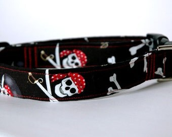 "Handmade Black w/ Pirate Skull Pattern Dog Collar ""New"""