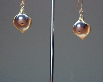 Matte gold calla leaf and mauve swarovski pearl earrings