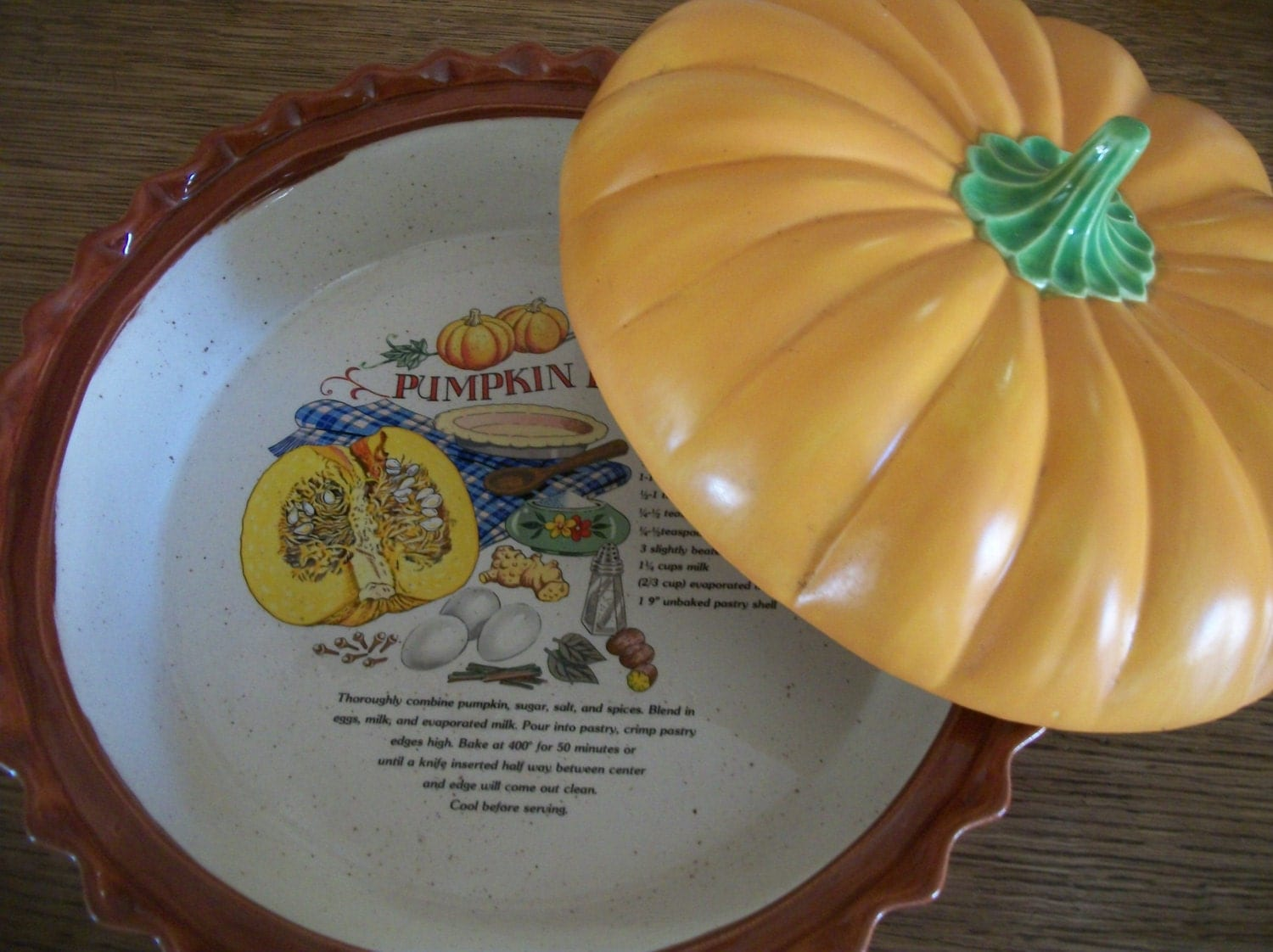 Pumpkin Pie Covered Serving Dish Ceramic Bakeware Holiday
