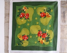 VINTAGE SWEDISH TABLECLOTH  / print / table / 60s / 1960s / Green / Flowers  / Roses / Sweden / Mid century / Printed / Modern / Retro