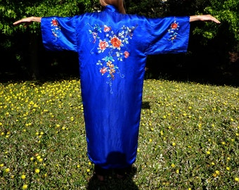 Cobalt blue Chinese robe, vintage,  with camilias (or roses)  and wisteria embroidery, made somewhere from the 70's to 90's.