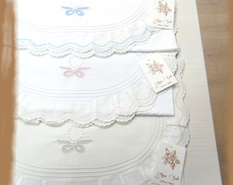 Sheet set embroidery for baby carriage