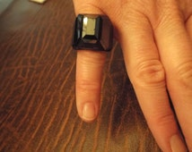Swarovski  Daniel SWARVOSKI  Paris, Black Ring Size 5.5, signed, Paris, France, Vintage Jewelry Designer Jewelry Free Shuipping Original Box