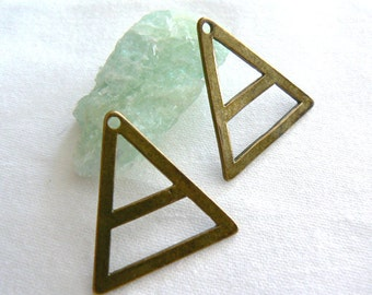 Metal triangle antique brass charm 29mm , 2 pieces- Jewelry metal findings-Brass triangle pendant charm, top hole-Crafts triangle brass