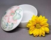 VINTAGE Ceramic Jewelry Box. Jewelry Dish. Flowered Jewelry Box. Vintage Jewelry Box