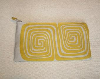 Clutch Purse in Gray/Lemon Spiral Print