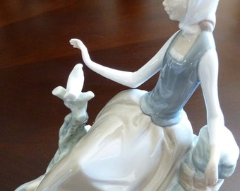 Vintage Lladro Shepherdess with Dove RETIRED