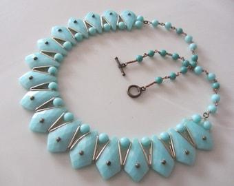 Unique 1950's Turquoise plastic bead necklace