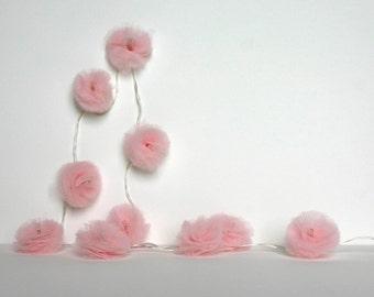 10 Led - Light string of PomPoms in pale pink tulle