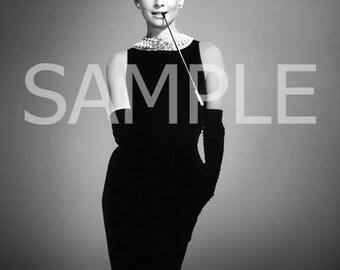 Audrey Hepburn *Breakfast at Tiffany's* Fabric Art Quilt Block   AH140  FREE SHIPPING