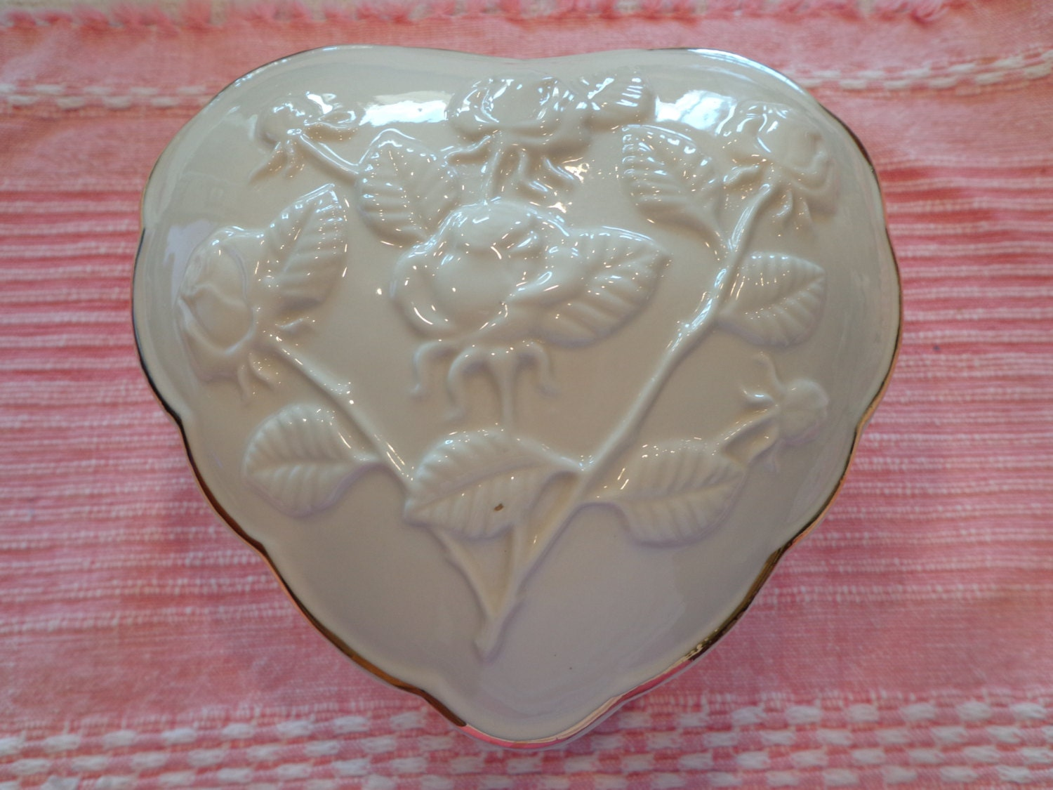 Heart shaped ivory candy dish ivory ceramic rose embossed for Heart shaped jewelry dish