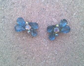 Vintage 1940s rhinestone earrings baby blue