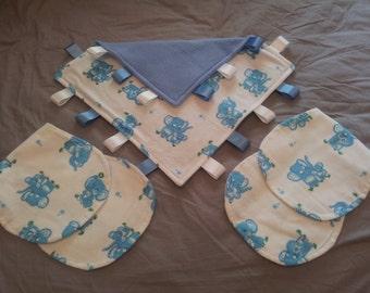 Taggie and Burp Cloth Set