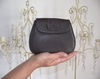 Mini brown leather pouch.