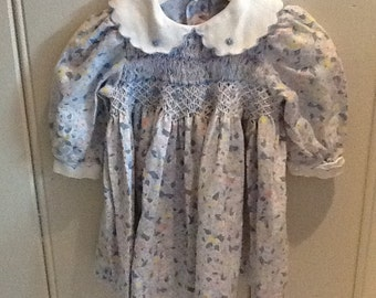 Lovely hand smocked dress bed 9 months in blues, pinks and yellow