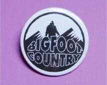 """Bigfoot Sasquatch Yeti Pinback Pin 2 1/4"""" Badge Cryptozoology Skunk Ape"""