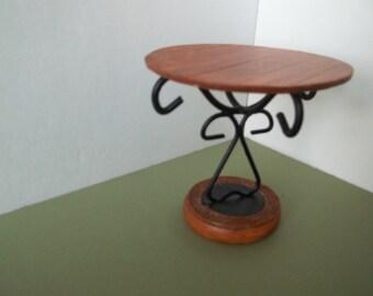 Barbies Rustic Table