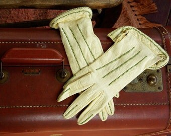 Goodbye PARIS 1910's 20's Vintage Cream White Leather Gloves with Green Cross Stitching Embroidery  // size Small