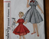 Vintage girl's dress sewing pattern. Simplicity 2669. Size 10. 0372