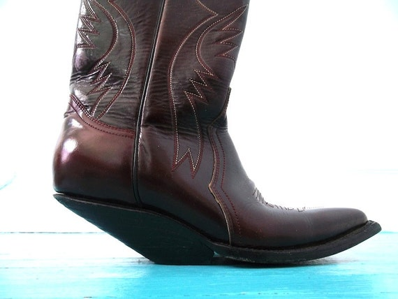 Futuristic Cowboy Boots / Extreme Undershot Riding Heel /