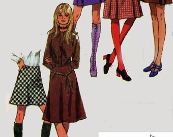 1970s Mini or Regular length Skirt Pleated Simplicity 9649 Vintage 70s Sewing Pattern Size 14 UNCUT