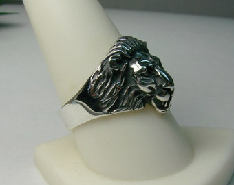 Lion Ring - Sterling Silver Ring