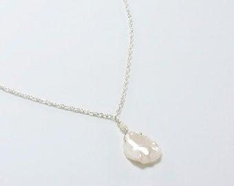 Single Keshi Necklace Large Keshi Pearl Pendant, Beach Wedding Necklace, Bridal Necklace, Bridesmaid Gift Necklace, Beach Wedding Jewelry