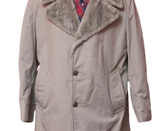 Men's Overcoat / Vintage Grey Winter Trench Coat / Faux Fur / Size Medium-Large