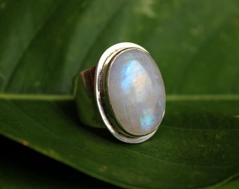 Rainbow Moonstone Ring - Oval ring - Gemstone ring - Sterling silver ring - Bezel ring - Artisan ring - Cabochon ring - Gift for her