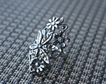SELL OUT ..Vintage 925 Sterling Silver bouquet of flowers design Stunning