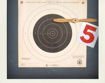 Vintage Graphic Paper Shooting Target Print - Black Circle Bullseye