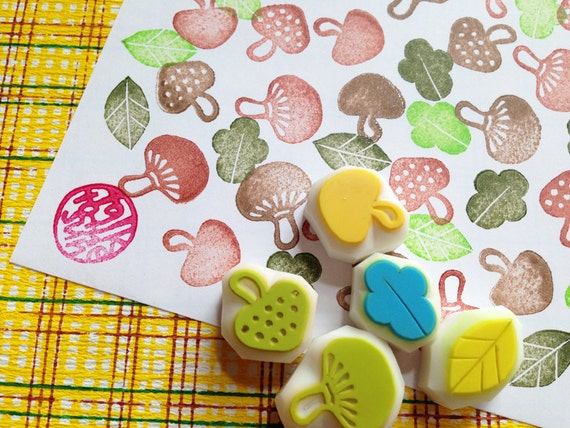 mushroom rubber stamps. woodland hand carved rubber stamps. vegetable food stamp. 3 mushrooms stamps. 2 leaf stamps. autumn crafts. set of 5