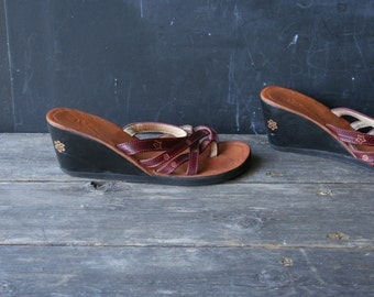 Leather Sandal Wedge Burgandy and Black Size 8 Vintage From Nowvintage on Etsy
