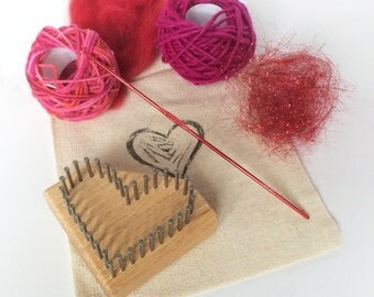 Li'l Weaver Heart Pin Loom Kit