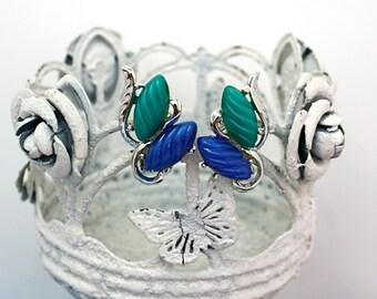 Vintage 50s Flower Earrings Thermoset Plastic Blue & Green Spiral Petal Earrings Clip Backs