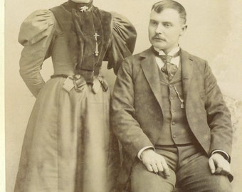 Cleveland Ohio Victorian Cabinet Card Husband Wife Family Couple Antique OH Photo Black White Photograph