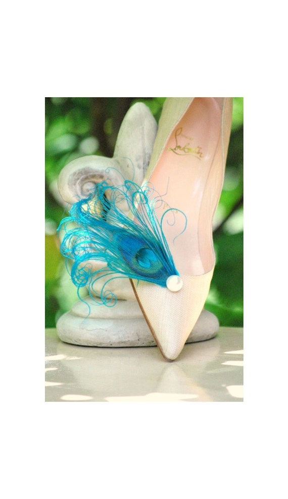 Shoe Clips Pearl & Turquoise Peacock. Chic Big Day Wedding. Elegant Couture Stunning Statement, Bride Bridal Shoe Clips, Bridesmaid Pin Gift