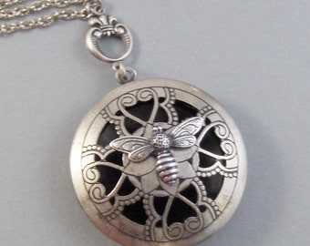 Scented Bee,Locket,Silver,Apothecary,Choose Your Scent,Lavender,Bee,Bee Jewlery,Locket,Scent Locket,Antique Locket,Jewelryvalleygirldesigns.