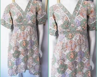 Vtg.70s Green Purple Peach Brown Rose Floral Patchwork Bell Sleeve Mini Dress.S.Bust 34.Waist 27.