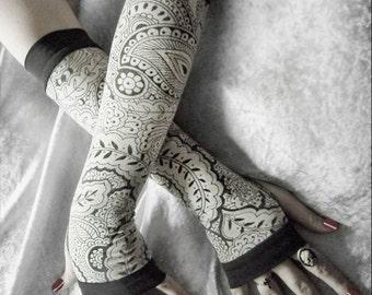 Anise Awoken Arm Warmers - Ivory Cream Charcoal Grey Mehndi Paisley Floral - Yoga Gothic Belly Dance Dark Tribal Vampire Cycling Boho Gypsy