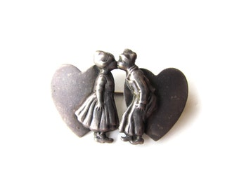 Antique Sterling Silver Kissing Dutch Couple Sweetheart Brooch c.1940s