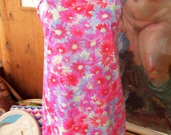60s WARNERS--Neon Daisies Mini Slip--Hot Pink, Neon Red, and Lilac--Nylon Jersey--Scalloped Hem--Size 32C