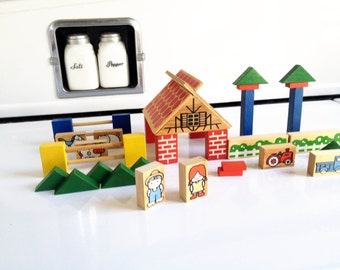 Vintage Barn Yard Play Set / Wood Blocks