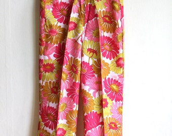 Floral 1970ies Pants in bright PInk, Yellow, Olive green - Hippie high waist Trousers size S M made in Berlin