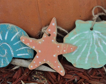 25 Nautical Ornaments, Beach Themed Wooden Tags, Gift Tags, Party Decorations, Wedding Favors