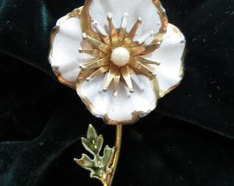 Goldtone Metal and White Enamel Flower Vintage Brooch