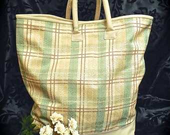 Large Carry-All Tote in Green/Tan Plaid