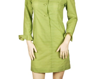 Size 6 / Small to Medium Fabulous Women's Vintage Green Textured Mini Dress with Ruffled Collar and Sleeves