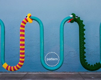 Snake Yarnbomb Crochet Pattern PDF, Bike Rack Cozy Yarnbomb Street Art, DIY Craft Crochet Amigurumi Dragon Loch Ness Nelly Caterpillar Worm