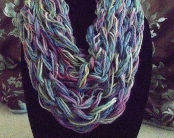 Infinity scarf made by arm knitting